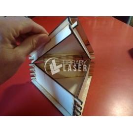 Caja triangular diseño