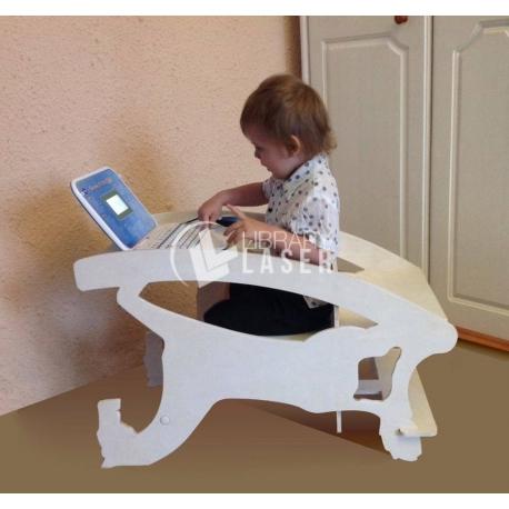 Diseño de silla,mecedora y escritorio para bebe